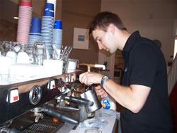 Le Barman du Boost Café