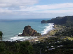 Le lion rock de Piha